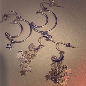 Claire's Set of 2 Dangly Crescent Moon Earrings